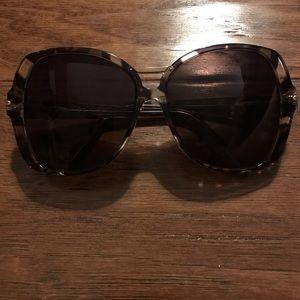 Emilio Pucci Accessories - Never worn, mint Emilio Pucci oversized sunglasses